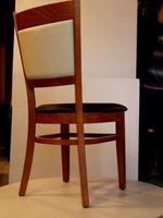 дървени столове с дамаска