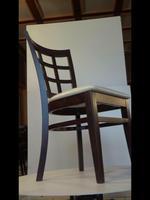 комфортни дървени столове за барове