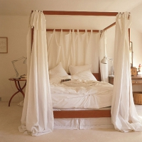 Спалня с балдахин по поръчка