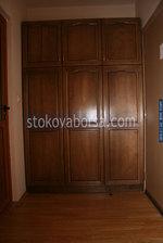 дървени гардероби от масив по поръчка