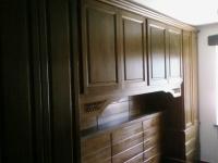 Дървени гардероби по поръчка