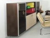 Шкаф за офис със стъклени врати