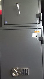 Метални сейфове за документи и пари, с усилена конструкция